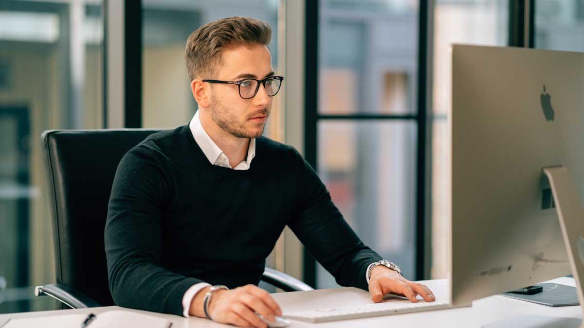 Niko Kronenbitter verhilft Unternehmen zum digitalen Wandel.