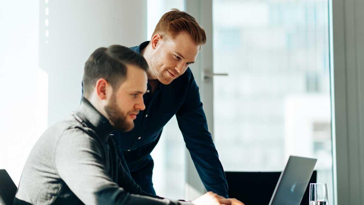 Malte Jung und Dennis Wölk nutzen eine ausgeklügelte Funnel-Strategie, um das Werbebudget effizient zu nutzen